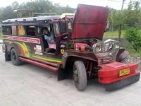 """ein sogenannter """"Jeepney"""""""