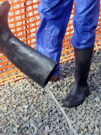 Stiefelausgießen in Monrovia